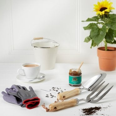 Buy unique tea and coffee gifts gifts tea and coffee ringtons ringtons gardeners grub gift set negle Gallery
