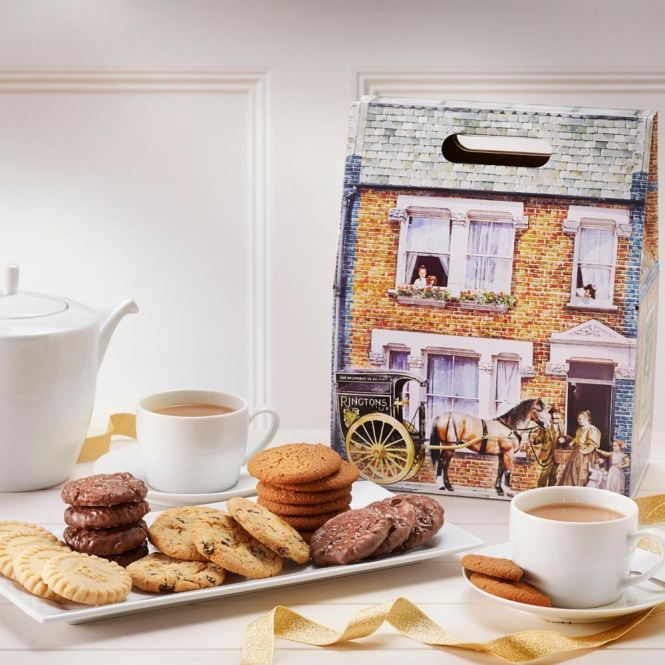 Ringtons Victorian House Biscuit Hamper - Online Exclusive