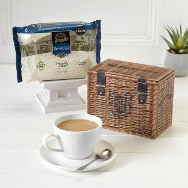 5019273b0b Wicker Hamper Style Tea Caddy   100 Breakfast Teabags